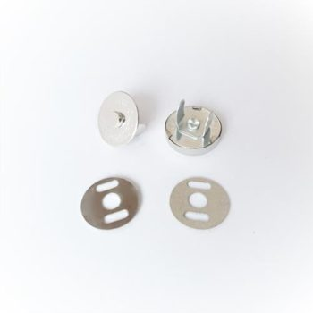 Кнопка магнитная 14 мм на ножках, золото 1шт.