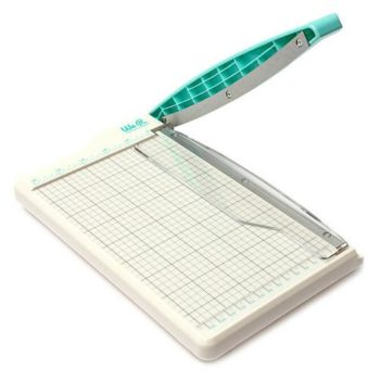 660093 Гильотинный мини-резак Mini Guillotine Paper Cutter - We R Memory Keepers