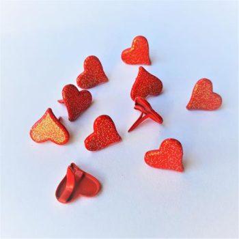 BD31 Набор брадс Сердечки красные с глиттером 10 штук