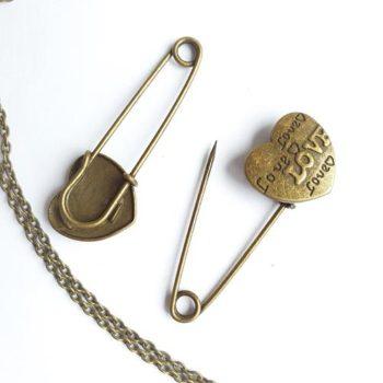 Металлическое украшение Булавка Love бронза 55*20мм