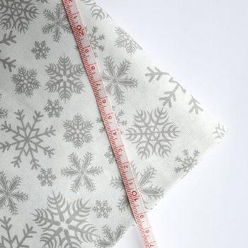 Отрез ткани Снежинки серые на белом 50*50 см, хлопок